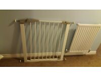 Lindam door / stair gate - great condition