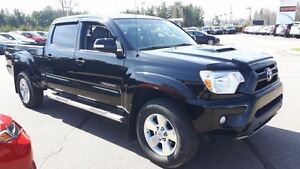 2014 Toyota Tacoma TRD Sport with Leather Interior and Navigatio