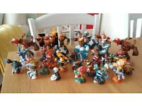 Skylanders Giants figures - 32 skylanders and discs