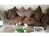 Beautiful 3 and 2 seater lounge suite purchased abt 10 years ago from Barkers in Northallerton