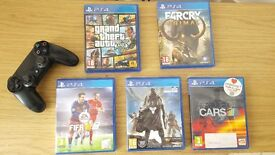 Sony PS4 (Playstation 4) 500Gb plus 5 games