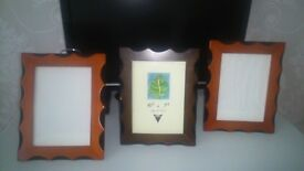 SOLID RED AND DARK BROWN WOOD PICTURE PHOTO FRAMES x 3 PICS 5 x 7 / 13 cm x 18 cm