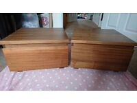2x Walnut veneer bedside tables (with drawer)