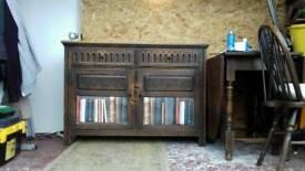 Solid oak 2 door 2 drawer sideboard