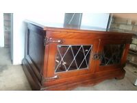 Good quality tv stand with doors to front