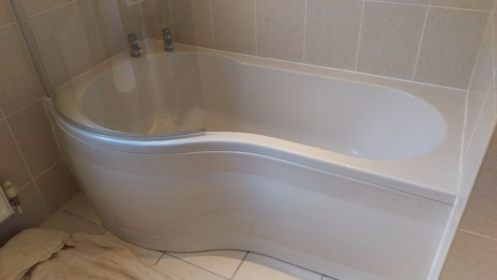 P Shaped Bath With Taps And Glass Screen For Shower Comes With Bath Panel 1700mm Long In