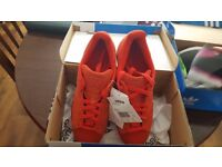 ADIDAS SUPERSTAR RT SIZE 5 BRAND NEW