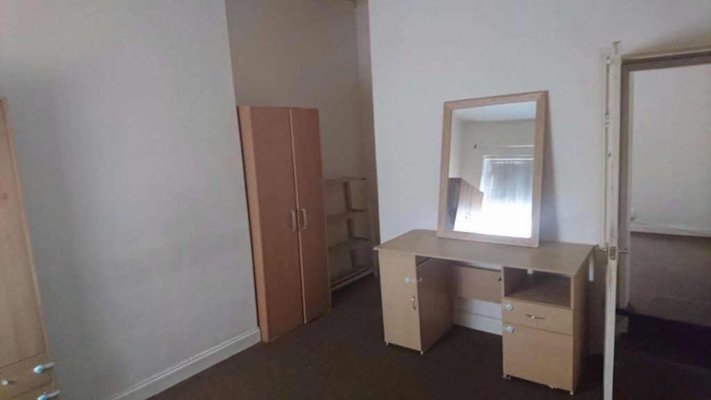 **TO LET** 1 BEDROOM APARTMENT-BILLS INCLUDED-NORTH ROAD-COBRIDGE-LOW RENT-DSS ACCEPTED-NO DEPOSIT