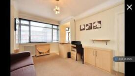 Studio flat in Du Cane Court, London, SW17