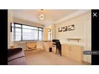 Studio flat in Du Cane Court, London, SW17