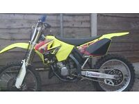 2003 rm 125 starts first kick hot or cold rids spot on good piwer throughout