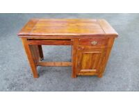 Quality Hardwood Desk For Sale,Excellent Condition,Can Deliver