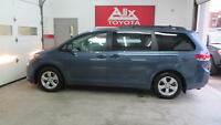 2014 Toyota Sienna 6 CYL 7 PASSAGER