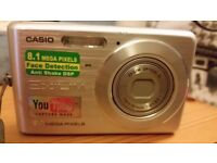 Casio Compact Camera Exlim 8.1 mega pixels with european charger
