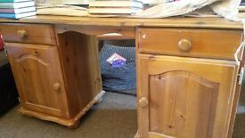 Dressing table / bedroom desk