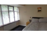 **ROOM 1 - ENSUITE DOUBLE BEDROOM**ALL BILLS INCLUDED**FULLY FURNISHED**FREE WIFI**MUST VIEW**NO DSS