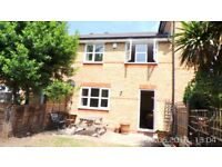 Greenwich Cutty Sark - !!REDUCED!! Huge refurbished modern 3 bed house 2 Parking - gated community.