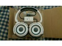 headphones and speakers in 1 Zumreed