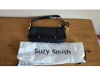 Suzy Smith small leather bag - (item 16)