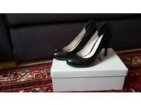 Faith high heels size 5 Black