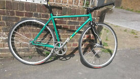 * BARGAIN * Green On-One Pompetamine Fixie Fixed Gear - New Build - New Parts - Steel Road Frame