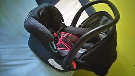 Baby Car Sit + set of clothes for 0-3 months