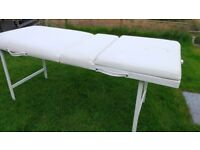 Static White Beauty/Massage Couch with face hole