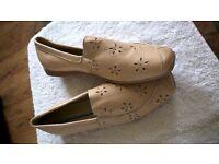 ladies flat shoes size 8