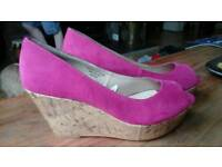 2 pairs Cork wedges size 6 Black and pink