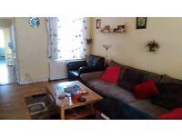 AM EXCHANGE 3 BEDROOM HOUSE FOR 2 BEDROOM IN LONDON