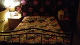 free kingsize bed