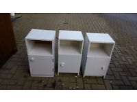 Set of 2 white cabinets ***FREE***