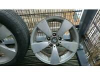 Bmw e60, 3 alloy wheels
