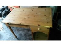 Oak desk with single drawer, keyboard drawer and storage. great condition