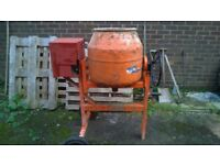 Belle maxi 140 petrol cement mixer