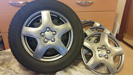 04 Dunlop SP Winter Sport Tyres with wheel Rim. Mint Condition. Spec are 195/65 R15 91T (M+S) Marked
