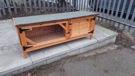 RABBIT HUTCH 3FT WIDE X 18INCH DEEP