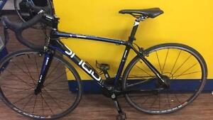 Vélo de route de marque Opus modèle Andante superbe état Z006627
