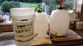 HOME BREWING EQUIPMENT. COMPLETE 10 GALLON CAPACITY. WORT NOT INCLUDED.