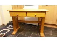 Pine Desk - height adjustable, tilting top