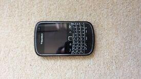 Excellent condition blackberry 9900 bold!