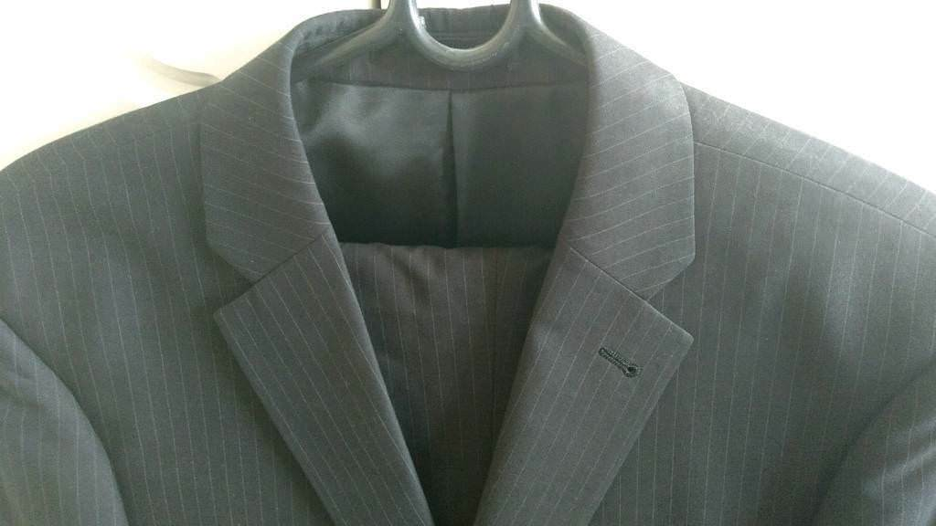Mens suit 42R jacket & 36R trousers - Grey, striped