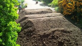 GOOD QUALITY SCREENED TOPSOIL FOR SALE & DIGGER & PLANT HIRE