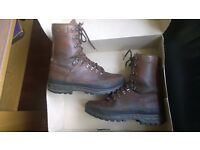 Meindl leather men boots Camping Hiking Hunting Mounting. Size 8.5UK 42EU.
