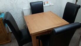 SOLID OAK TABLE PLUS 4 CHAIRS