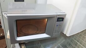 Daewoo KOR63FBSL Microwave Oven in Silver, 700 watts, 20 Litres