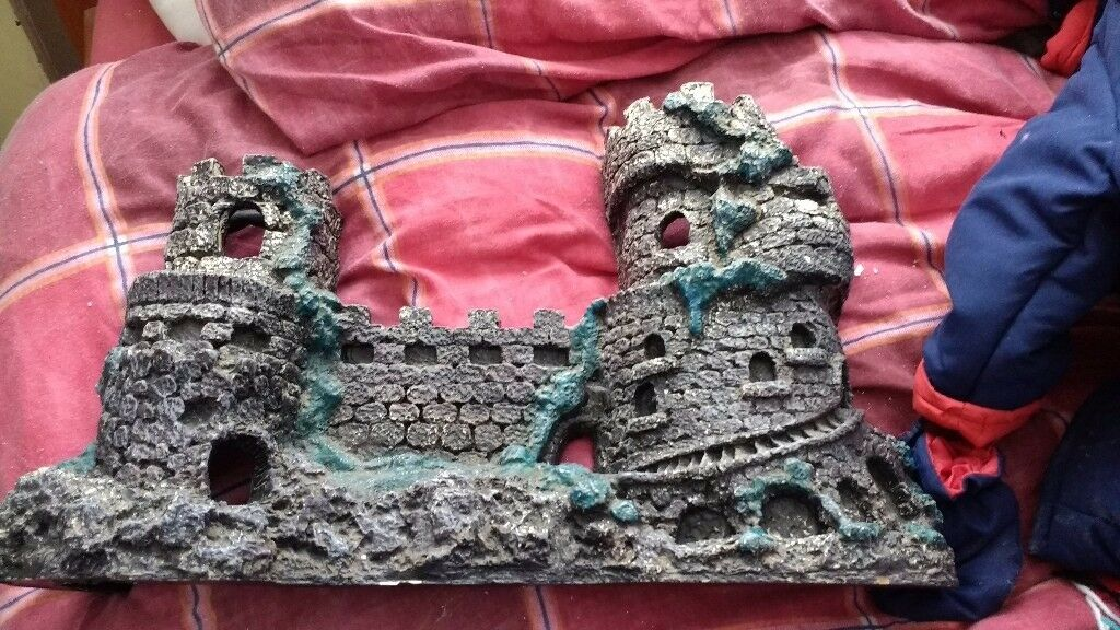 Castle for fish tank excellent condition only selling as no longer have tank