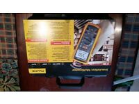 Fluke 1587 FC Insulation Multimeter Brand new in carry case