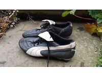 Puma King Exec Football Boots size 10