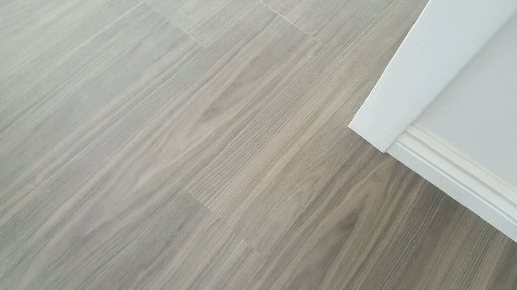 amtico spacia luxury vinyl flooring tiles dusky walnut in bracknell berkshire gumtree. Black Bedroom Furniture Sets. Home Design Ideas